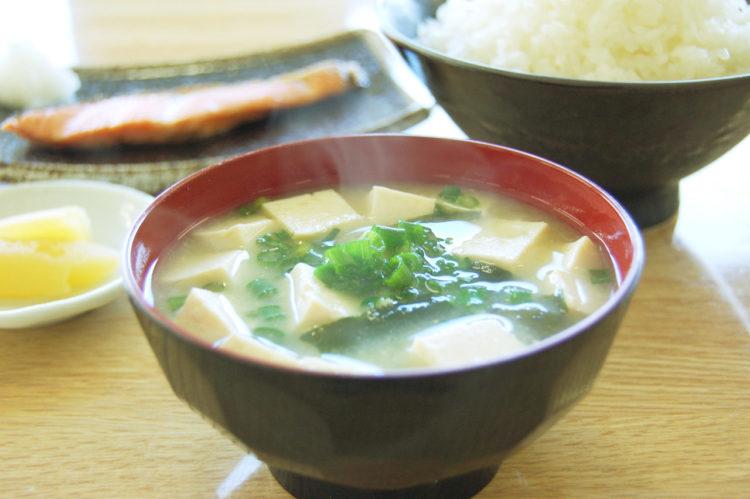 「食べよ、」豆腐とわかめの味噌汁 @ カフエマメヒコ公園通り店